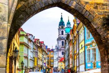 48905184-mala-strana-à-prague-république-tchèque