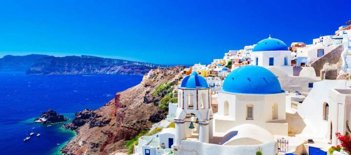 santorini-oia-old-town-greece